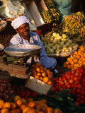 Fruit and Vegetable Vendor in the Luxor Souq  Luxor  Egypt