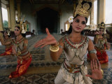 National Ballet Performing Ancient Apsara Dance at Royal Palace Pagoda  Phnom Penh  Cambodia
