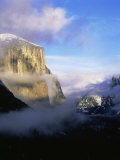 Winter Fog Surrounding El Capitan  Yosemite National Park  California  USA
