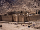 Tourists  St Catherine&#39;s Monastery  Unesco World Heritage Site  Sinai  Egypt  North Africa  Africa