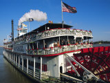 Paddle Steamer 'Natchez'  on the Edge of the Mississippi River in New Orleans  Louisiana  USA