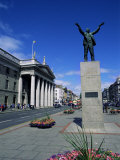 General Post Office and Jim Larkin Statue  O'Connell Street  Dublin  Eire (Rpublic of Ireland)