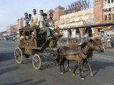 A Horse-Drawn Tonga at Howrah Station  Calcutta  West Bengal State  India