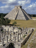One Thousand Mayan Columns and the Great Pyramid El Castillo  Chichen Itza  Mexico