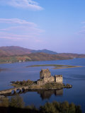 Eilean Donan Castle and Loch Duich  Highland Region  Scotland  United Kingdom