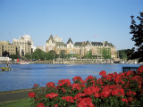 Empress Hotel and Innter Harbour  Victoria  Vancouver Island  British Columbia  Canada