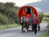 Horse-Drawn Gypsy Caravan  Dingle Peninsula  County Kerry  Munster  Eire (Ireland)