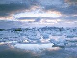 Jokuslarlon Glacial Lagoon  Vatnajokull Ice-Cap  Iceland  Polar Regions