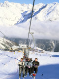 Skiers Riding Chairlift up to Slopes from Village of Solden  Tirol Alps  Tirol  Austria