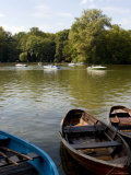 People Cruising in a Boat on the Kleinhesselohe Lake at the Englischer Garten  Bavaria  Germany