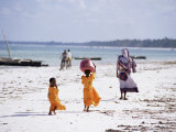 Young Girls and Their Mother Walking Along the Beach  Zanzibar  Tanzania  East Africa  Africa