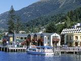 The Waterfront  Queenstown  Lake Wakatipu  Otago  South Island  New Zealand