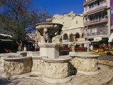 Morosini Fountain on Plateia Venizelou  Iraklion (Heraklion)  Island of Crete  Greece