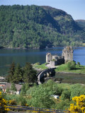 Urquhart Castle  Loch Ness  Scotland  United Kingdom