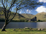 Loch Awe and the Ruins of Kilchurn Castle  Strathclyde  Scotland  United Kingdom