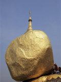 Golden Rock  the Balancing Boulder Temple of Kyaikbyo  Myanmar (Burma)