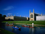 King&#39;s College Chapel and Punts on River  Cambridge  Cambridgeshire  England