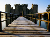 Wooden Bridge Across the Moat at Bodiam Castle  Early Morning  Eastbourne  East Sussex  England