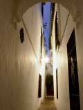 Narrow Cobbled Street with Archway  Old Town  Cordoba  Andalucia  Spain