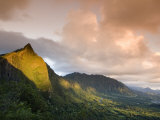 Nu&#39;uanu Pali at Sunrise  Oahu  Hawaii