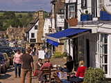 Cafes and Eateries on the High Street in Burford  Burford  Oxfordshire  England