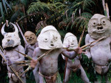 Mud Men at Pogo Cultural Centre  Mt Hagen  Western Highlands  Papua New Guinea