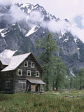 The Chalet in the Enchanted Valley  Olympic National Park  Washington  USA