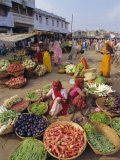 Fruit and Vegetable Sellers in the Street  Dhariyawad  Rajasthan State  India