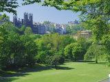 National Gallery and Princes Street Gardens  Edinburgh  Lothian  Scotland  UK  Europe