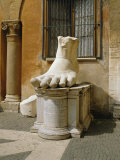Statue of Large Foot  Capitol Hill  Rome  Lazio  Italy  Europe