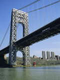 George Washington Bridge and Little Red Lighthouse  New York  USA