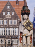 Statue and Architecture of the Main Square  Bremen  Germany