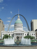 Fountains and Buildings in City of St Louis  Missouri  United States of America (USA)