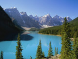 Moraine Lake  Valley of Ten Peaks  Banff National Park  Rocky Mountains  Alberta  Canada