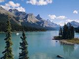Maligne Lake  Rocky Mountains  Alberta  Canada