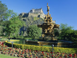 The Castle from Princes Street Gardens  Edinburgh  Lothian  Scotland  UK  Europe