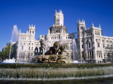 Fountain in Front of the Palacio De Comunicaciones  the Central Post Office  in Madrid  Spain