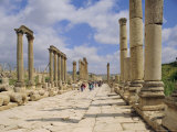 The Colonnaded Street  Cardo Maximus  in the Roman Ruins  Jerash  Jordan