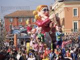 Mardi Gras Carnival Parade in Place Massena  Nice  Alpes Maritimes  Mediterranean  France