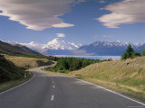 Road Leading to Mount Cook National Park  Mount Cook  Southern Alps  Canterbury  New Zealand