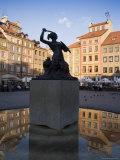Warsaw Mermaid Fountain and Reflections of the Old Town Houses  Old Town Square  Warsaw  Poland
