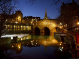 Pulteney Bridge and River Avon at Night  Bath  Unesco World Heritage Site  Avon (Somerset)  England