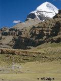 Yak Train Approaches Tarboche  Tibet  China