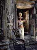 Traditional Cambodian Apsara Dancer  Siem Reap Province  Cambodia