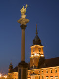 Castle Square (Plac Zamkowy)  the Sigismund III Vasa Column and Royal Castle  Warsaw  Poland