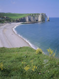 Bay and Cliffs  Etretat  Cote d'Albatre (Alabaster Coast)  Haute Normandie (Normandy)  France