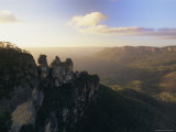 The Three Sisters from Echo Point  Katoomba  the Blue Mountains  New South Wales  Australia