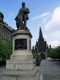 Statue of David Livingstone and the Cathedral  Glasgow  Scotland  United Kingdom  Europe