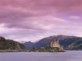 Eilean Donan Castle  Dornie  Lochalsh (Loch Alsh)  Highlands  Scotland  United Kingdom  Europe
