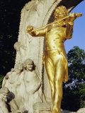 Statue of Johann Strauss in Stadtpark  Innere Stadt  Vienna  Austria  Europe